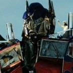 Mark Wahlberg ne pourra pas lutter seul face aux Decepticons dans Transformers 4&#8230; Selon le siteTwitch, Michael Bay aurait choisi Nicola Peltz et Brenton...