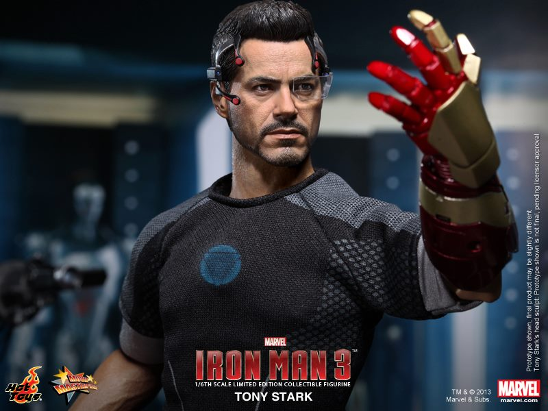 iron-man-3-hot-toys-tony-stark-8