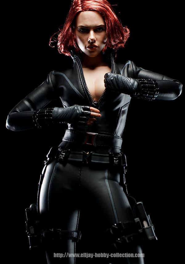 HOT-toys-black-widow-4