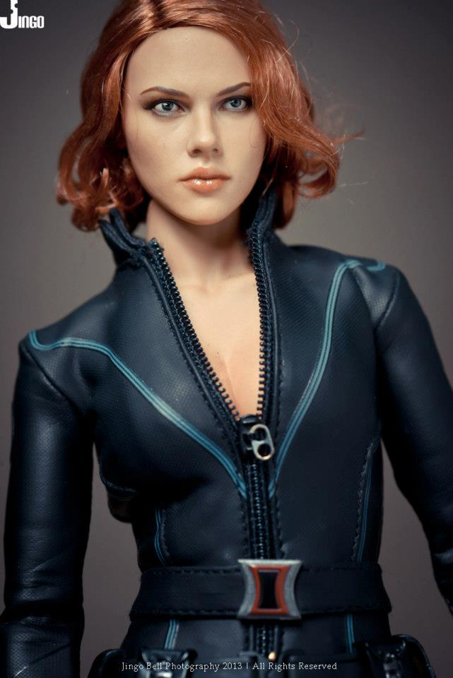 HOT-toys-black-widow-6