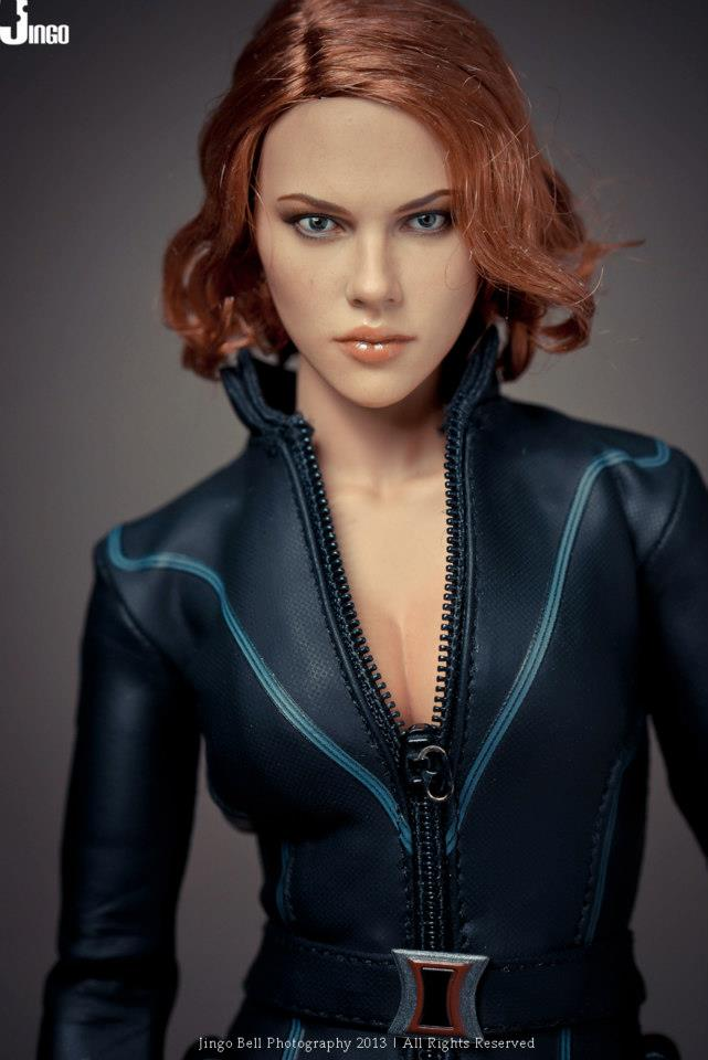HOT-toys-black-widow-8