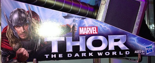 thor-dark-world-jouet-marteau - Copie