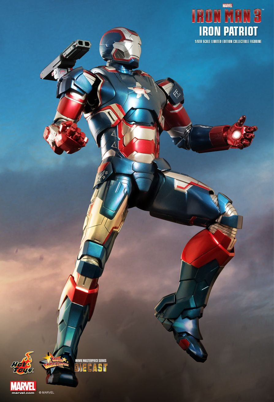 IRON-PATRIOT-hot-toys-figurine (2)