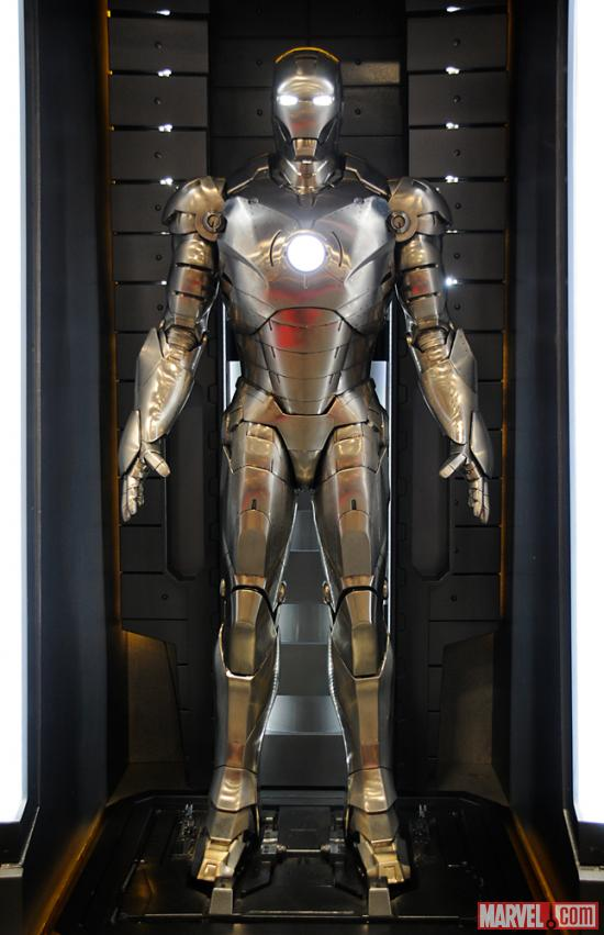 Iron_Man_Armor_MK_II_(Earth-199999)_001
