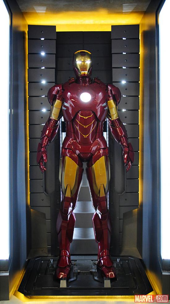 Iron_Man_Armor_MK_IV_(Earth-199999)_001