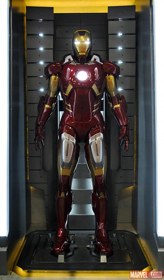 Iron_Man_Armor_MK_VII_(Earth-199999)_001