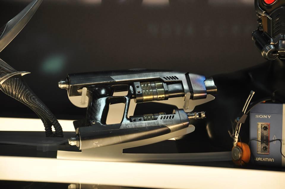 gardiens-galaxie-comic-con-stand-marvel-pistolet