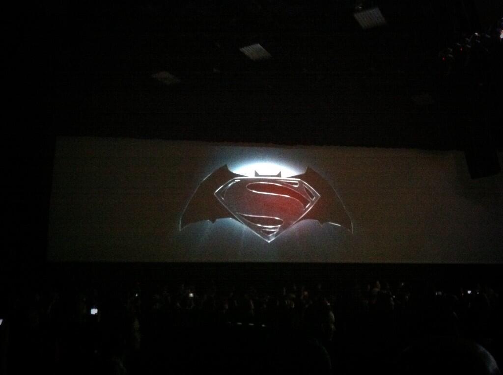 logo-superman-batman-movie-world-finest-comic-con