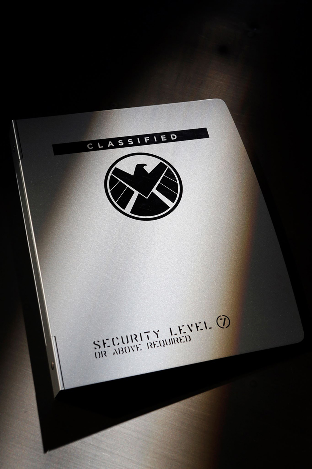 shield-folder-teaser-serie