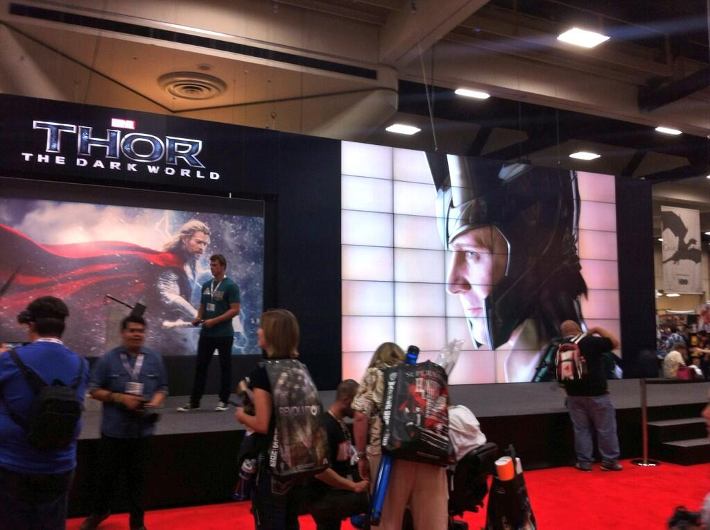 thor-marvel-comic-con-2013-stand