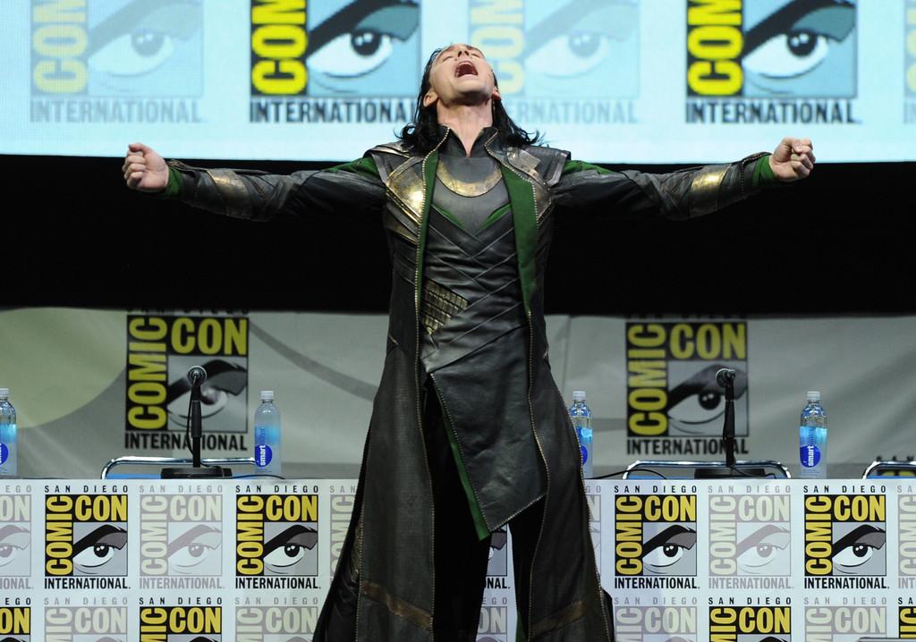 tom-hiddleston-loki-comiccon-show