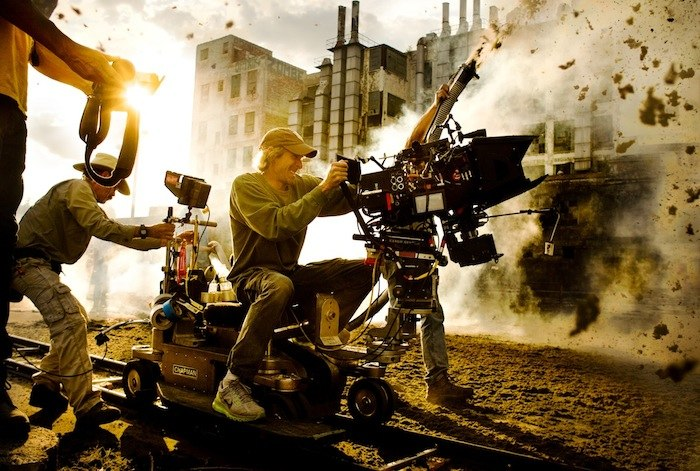 transformers-4-michael-bay-officiel-photo