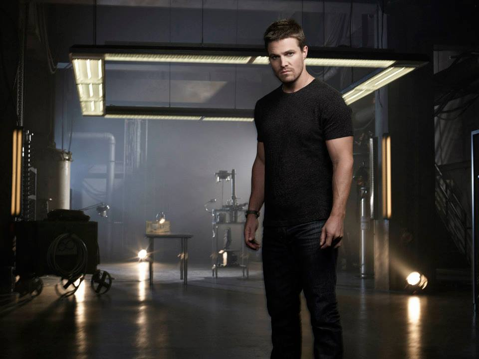 arrow-saison-2-promo-shot-stephen-amell