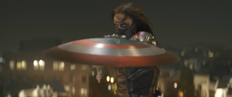 captain-america-soldat-de-lhiver-bouclier-frisbee