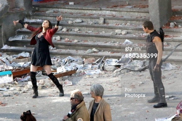 sorciere-rouge-scarlet-witch-wanda-maximoff-tournage-avengers-age-of-ultron
