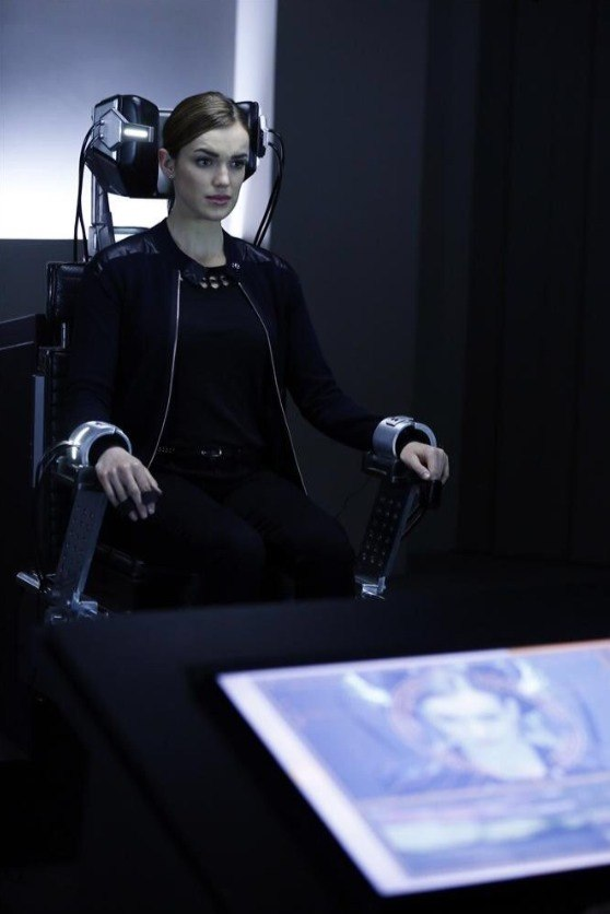 agents-of-shield-lies-detector-simmons