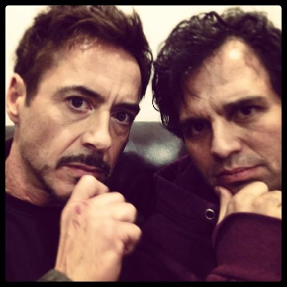 avengers-selfie-ruffalo-downey-ultron