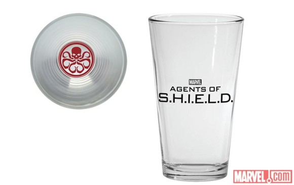 agents-of-shield-dessous