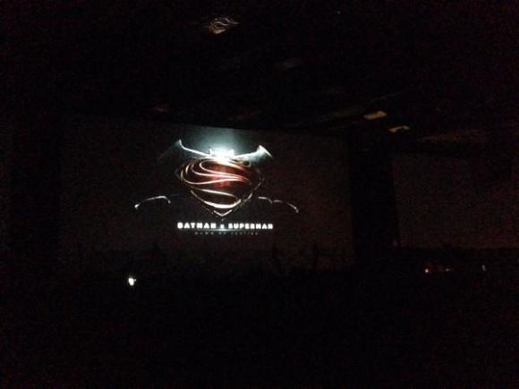 batman-v-superman-panel-logo