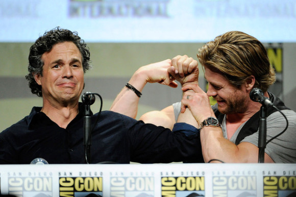 bruce-banner-thor-muscles