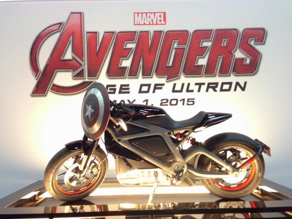 captain-america-moto-avengers-ultron