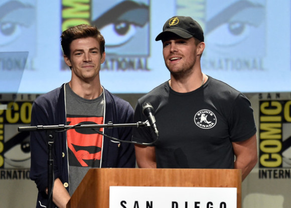 grant-gustin-stephen-amell-comic-con