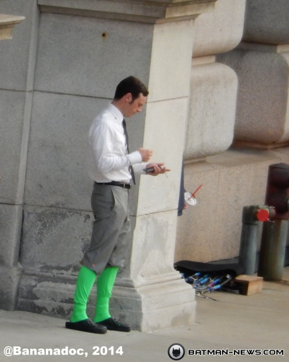 scoot-mcnairy-the-flash-batman-superman-set