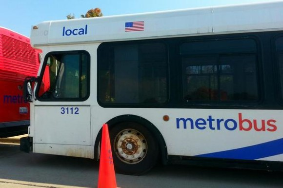 metropolis-car-bus