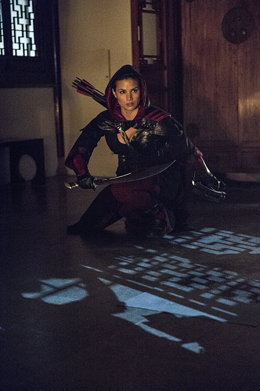 arrow-saison-3-episode-4-magician-law-katrina