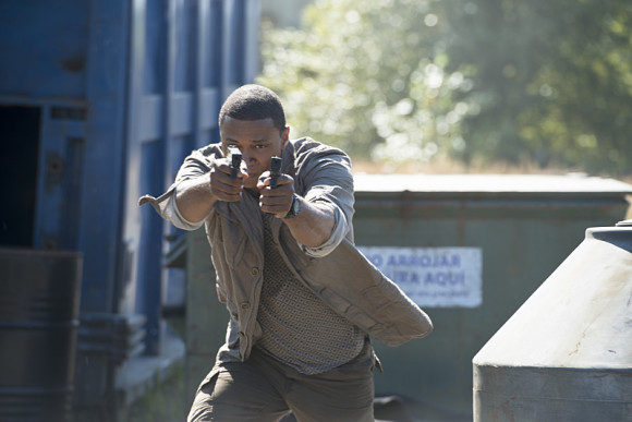 arrow-saison3-episode-corto-maltese-gunfight