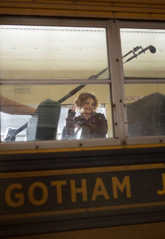 gotham-episode-2-selina-kyle-bus