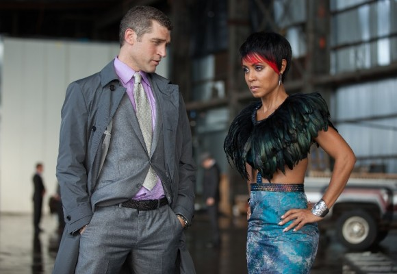 gotham-episode-penguin-umbrella-fish-mooney