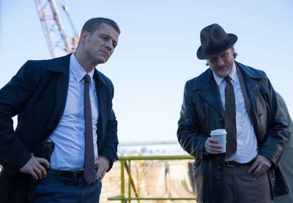 gotham-the-mask-episode-enquete