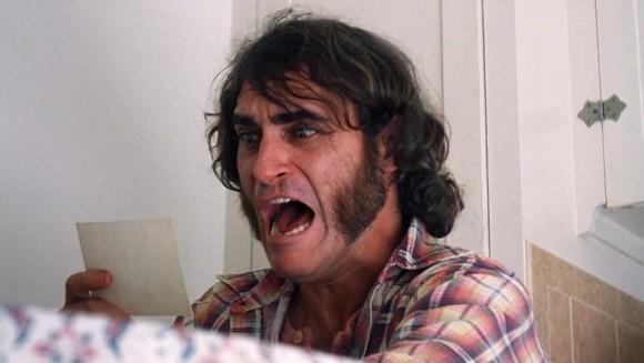 La tête de Joaquin Phoenix lorsqu'il découvre son contrat Marvel Studios