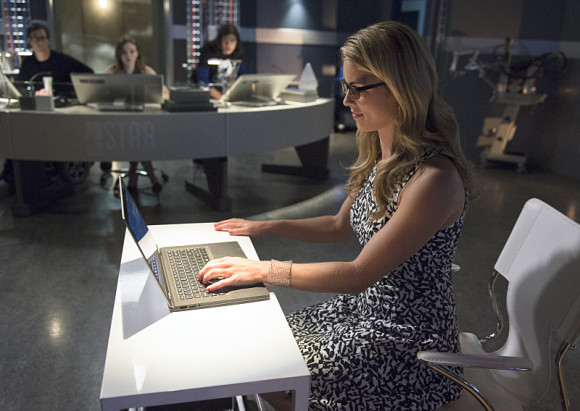 the-flash-episode-4-going-rogue-felicity