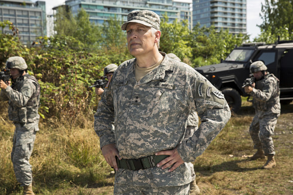 the-flash-episode-plastique-general-army