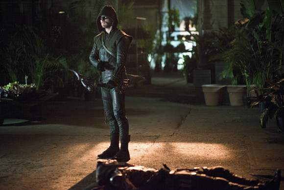 arrow-episode-draw-back-your-bow-costume