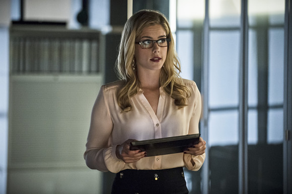 arrow-episode-draw-back-your-bow-felicity