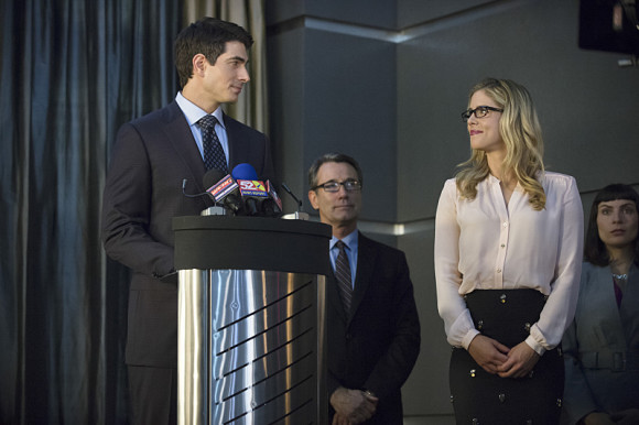 arrow-episode-draw-back-your-bow-ray-palmer