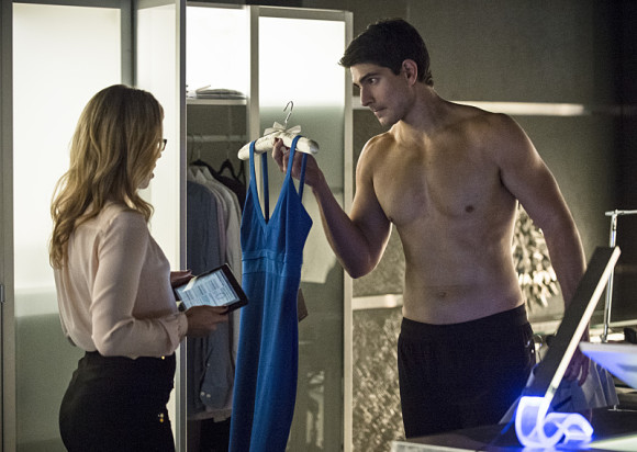 arrow-episode-draw-back-your-bow-ray-palmer-shirtless