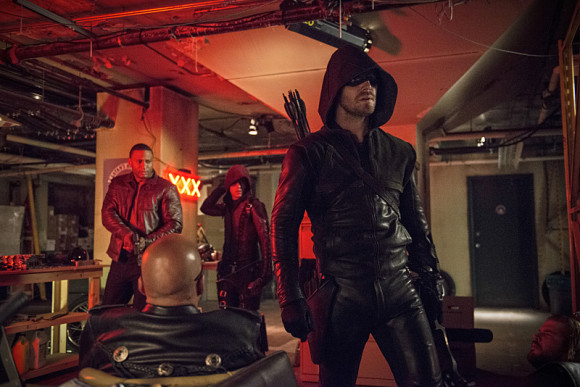 arrow-the-flash-crossover-episode-the-brave-and-the-bold-arsenal