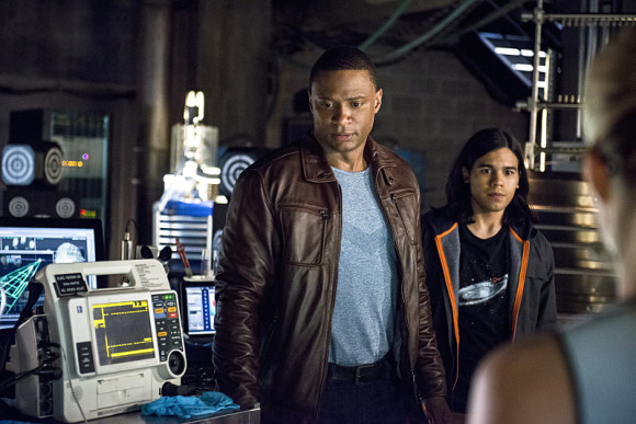 arrow-the-flash-crossover-episode-the-brave-and-the-bold-diggle