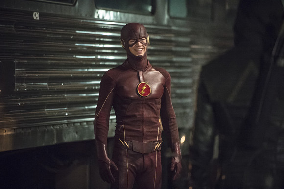 arrow-the-flash-crossover-episode-the-brave-and-the-bold-funny-smiling