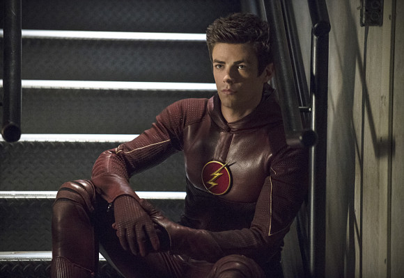 arrow-the-flash-crossover-episode-the-brave-and-the-bold-grant-gustin