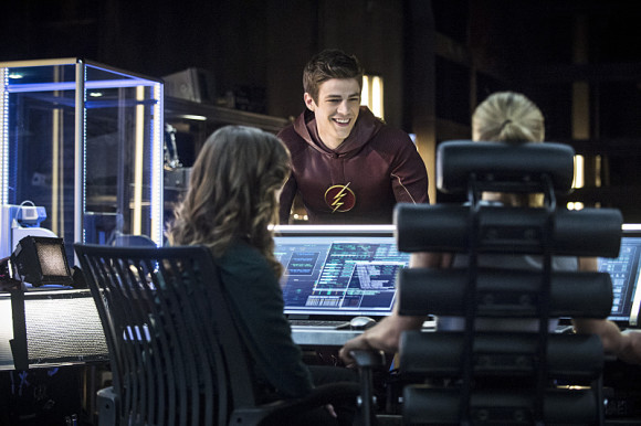 arrow-the-flash-crossover-episode-the-brave-and-the-bold-thecave