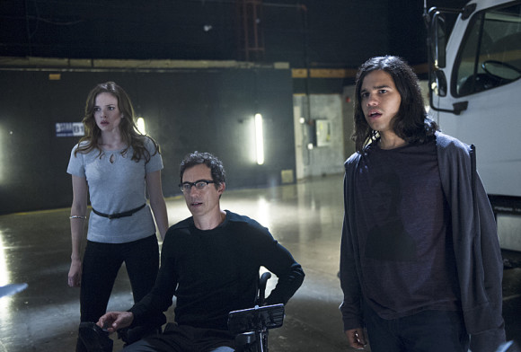 the-flash-power-outage-episode-harrison-wells