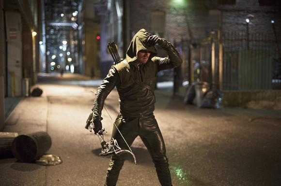 the-flash-vs-arrow-episode-crossover-costume