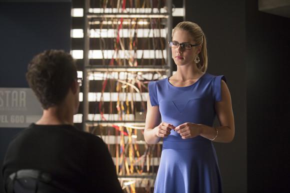 the-flash-vs-arrow-episode-crossover-felicity-wells