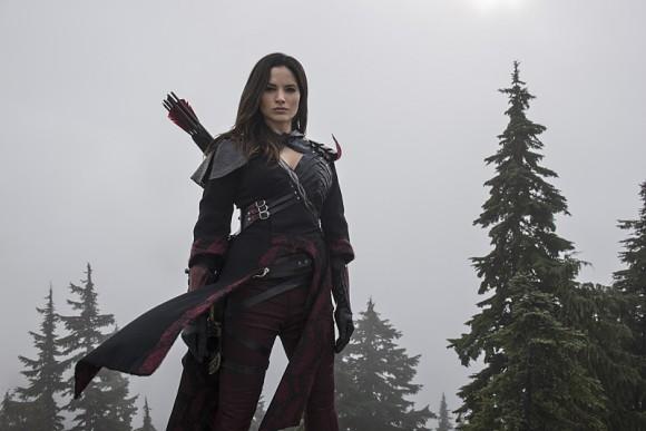 arrow-the-climb-episode-katrina-law-nyssa