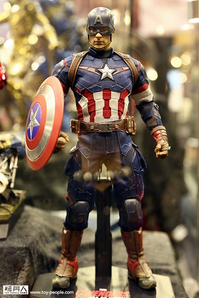 hot-toys-avengers-age-of-ultron-america
